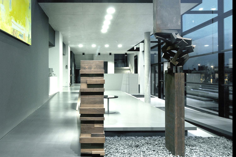 Aufstockung und Anbau Betriebsgebäude Reutlingen-Rommelsbach, Foyer