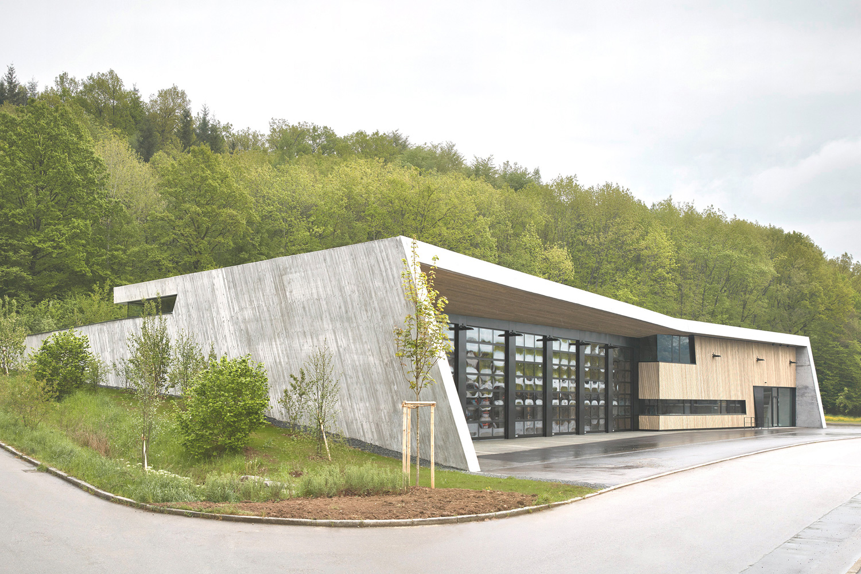 Neubau Feuerwehrhaus Wannweil, Einbetttung in die Landschaft