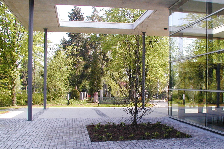 Neubau Aussegnungshalle Stuttgart-Gaisburg, Überdachung