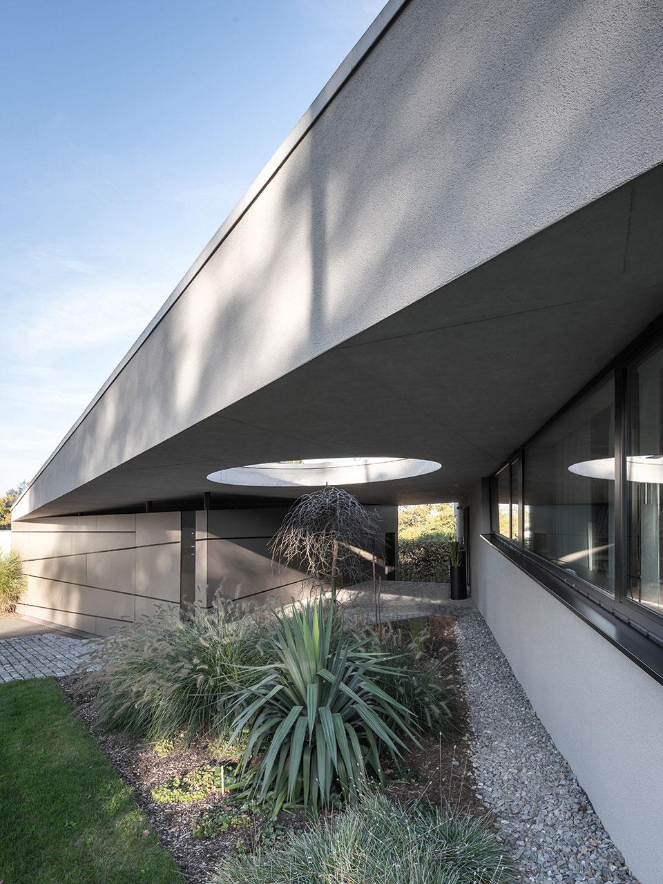 Sanierung und Modernisierung Haus Z Mössingen, Vordach