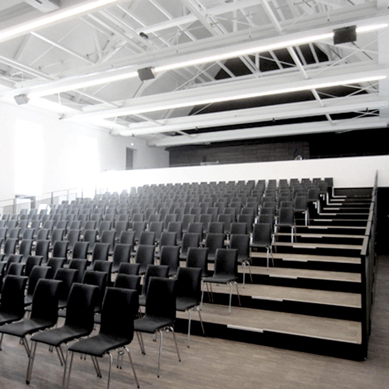 Umbau und Erweiterung Stadthalle Sigmaringen, Saal